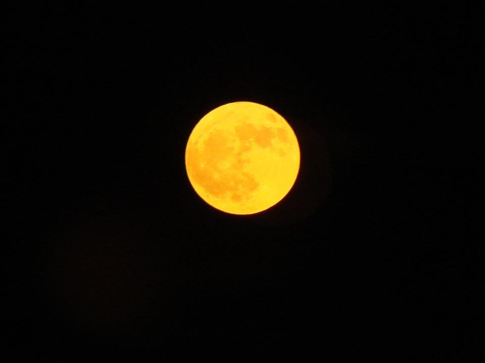moon-1202726_960_720